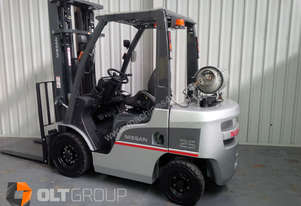 Nissan Forklift. 3 Stage Mast + S/Shift. 5.5m Lift