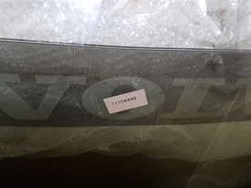 Volvo Loader Windshield 11104449 - picture2' - Click to enlarge
