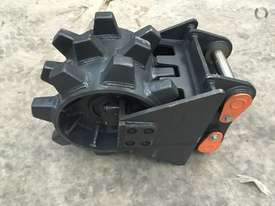 BETTA BILT BUCKETS 13 TONNE COMPACTION WHEEL - picture3' - Click to enlarge