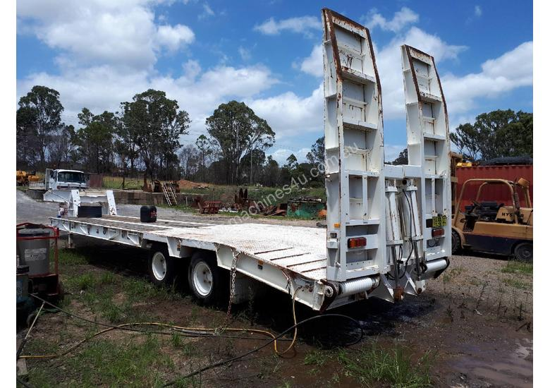 Low Loader/Float