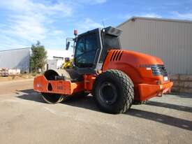 Hamm 3012 Vibrating Roller Roller/Compacting - picture1' - Click to enlarge