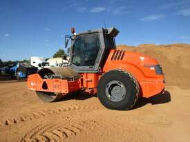 Hamm 3012 Vibrating Roller Roller/Compacting - picture4' - Click to enlarge