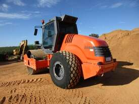 Hamm 3012 Vibrating Roller Roller/Compacting - picture5' - Click to enlarge