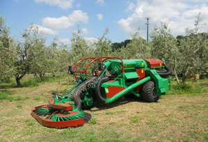 Self-propelled harvesters C 200 S