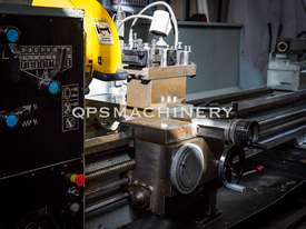 GMTG 2m Gap Bed Metal Lathe - picture4' - Click to enlarge