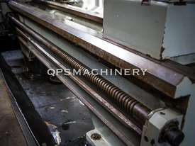 GMTG 2m Gap Bed Metal Lathe - picture9' - Click to enlarge