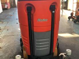 Hako Floor Sweeper Hakomatic  Ride On Scrubber B115 R Battery Electric - picture2' - Click to enlarge