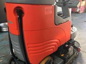 Hako Floor Sweeper Hakomatic  Ride On Scrubber B115 R Battery Electric - picture4' - Click to enlarge