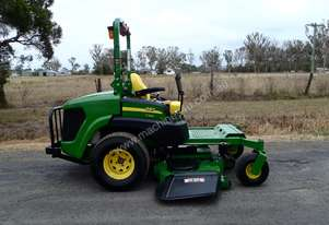 John Deere 997 Zero Turn Lawn Equipment