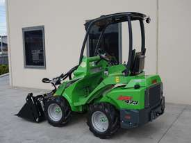 Avant 423 Mini Loader W/ 4 in 1 Bucket - picture1' - Click to enlarge