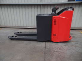 Used Forklift: T20SP Genuine Preowned Linde 2t - picture0' - Click to enlarge