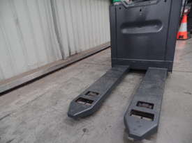 Used Forklift: T20SP Genuine Preowned Linde 2t - picture4' - Click to enlarge