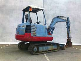 TAKEUCHI TB125 2.6T MINI EXCAVATOR S/N - 864 - picture3' - Click to enlarge