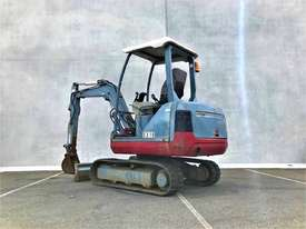 TAKEUCHI TB125 2.6T MINI EXCAVATOR S/N - 864 - picture4' - Click to enlarge