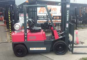 Nissan Forklift 2.5 Ton 6000mm Lift Height Fresh Paint