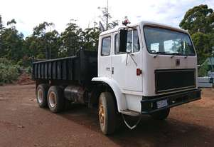 INTERNATIONAL ACCO International 10 yard tipper