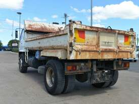 2008 MITSUBISHI FIGHTER FM Tipper   - picture2' - Click to enlarge