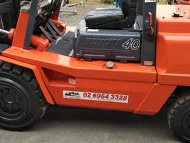 Forklift diesel 4 ton container mast - picture3' - Click to enlarge