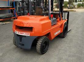 Forklift diesel 4 ton container mast - picture4' - Click to enlarge