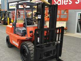 Forklift diesel 4 ton container mast - picture6' - Click to enlarge