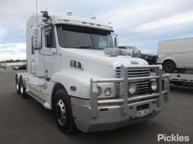 2010 Freightliner Century Class CST120 - picture0' - Click to enlarge
