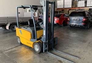 2 TON ELECTRIC COUNTERBALANCE FORKLIFT JUNGHEINRICH EFG320
