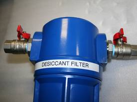 Desiccant compressed air filter / dryer - painting - picture3' - Click to enlarge