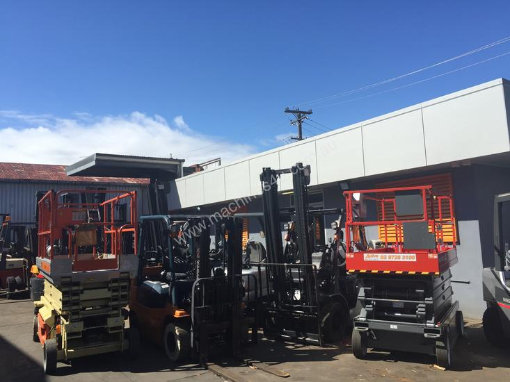 High Reach Trucks Lift From 6000MM TO 9000MM