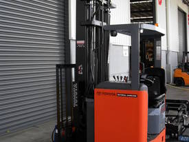 High Reach Trucks Lift From 6000MM TO 9000MM - picture0' - Click to enlarge
