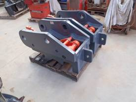 Quickhitch 45Ton Double Locking HE Suit ZX300 - picture1' - Click to enlarge