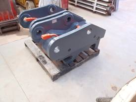 Quickhitch 45Ton Double Locking HE Suit ZX300 - picture3' - Click to enlarge
