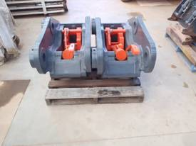 Quickhitch 45Ton Double Locking HE Suit ZX300 - picture4' - Click to enlarge