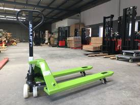Brand New 2T Capacity Hand Pallet Jack/Truck Fork Wdith 685mm - picture0' - Click to enlarge