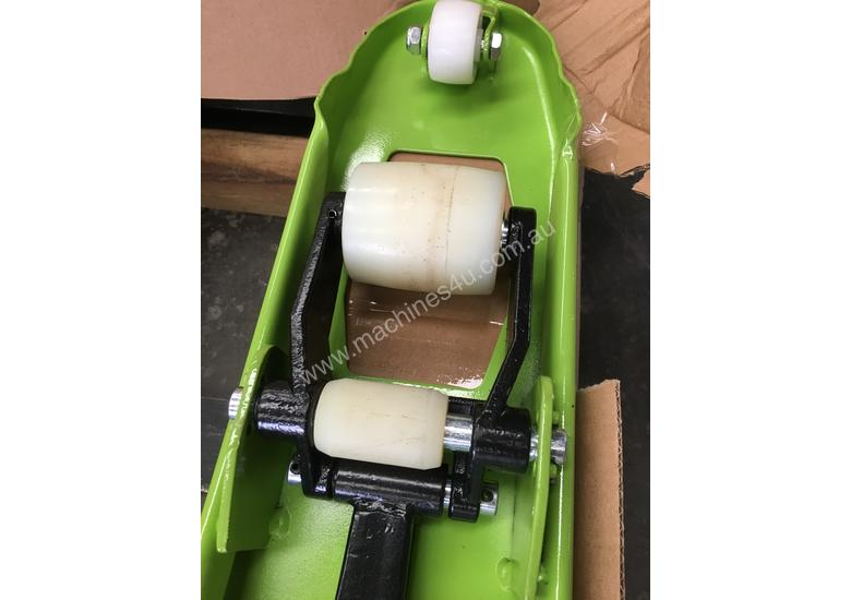 Brand New 2T Capacity Hand Pallet Jack/Truck Fork Wdith 685mm