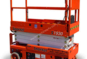 2009 snorkel scissor lift 19 foot  low hours