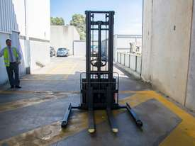 Electric Walkie Stacker - Liftsmart LS10  - picture7' - Click to enlarge