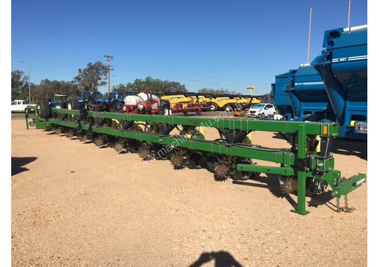 new norseman 12 row 18mtr 12row precision planter seeder in toowoomba qld price 136 000. Black Bedroom Furniture Sets. Home Design Ideas