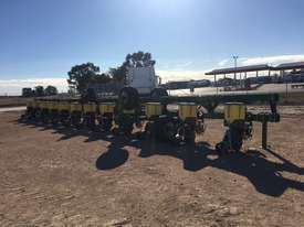Norseman 12 row  Planters Seeding/Planting Equip - picture1' - Click to enlarge