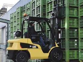 Caterpillar 3.5 Tonne LPG Counterbalance Forklift - picture2' - Click to enlarge