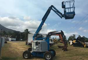 2005 Genie Z34 - 22IC low hour Articulating Boom EWP