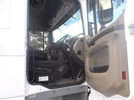 DAF XF 105 Series Primemover Truck - picture11' - Click to enlarge