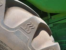 John Deere 9770 STS Header(Combine) Harvester/Header - picture4' - Click to enlarge