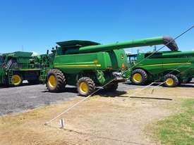 John Deere 9770 STS Header(Combine) Harvester/Header - picture11' - Click to enlarge