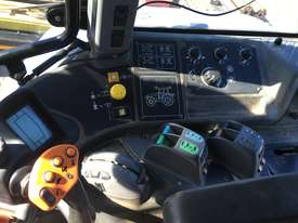 TM175 New Holland Tractor - picture9' - Click to enlarge