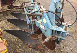Overum  3 Furrow Mouldboard Plough Tillage Equip