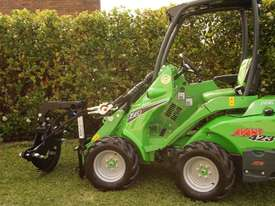 Avant 423 Mini Loader W/ Log Grab - picture8' - Click to enlarge