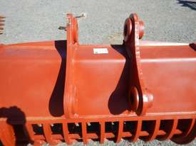 Unused 1400mm Skeleton Bucket to suit Komatsu PC200 - 8663 - picture3' - Click to enlarge