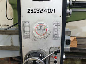 Z3032 x 10/1 Radial Arm Drilling Machine  - picture1' - Click to enlarge