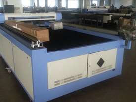 Laser cutter and engraver - picture0' - Click to enlarge