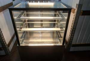 F.E.D. Exquisite CDC 900 Refrigerated Cake Display